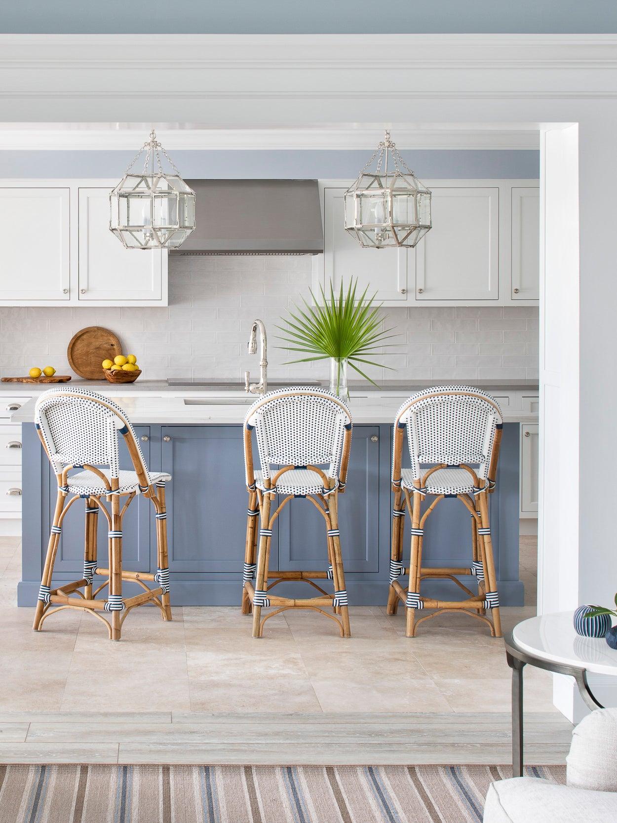 Fresh Corian® Quartz Materials take this Coastal Home from Drab to Fab