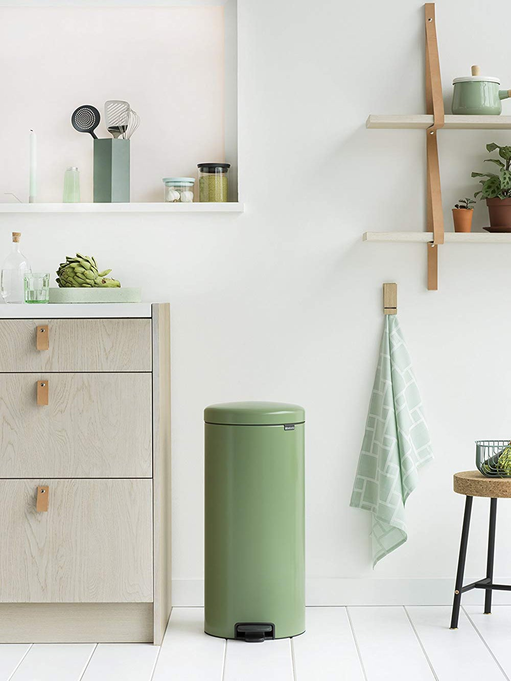 Chic Trash Cans for Your Kitchen, Bathroom