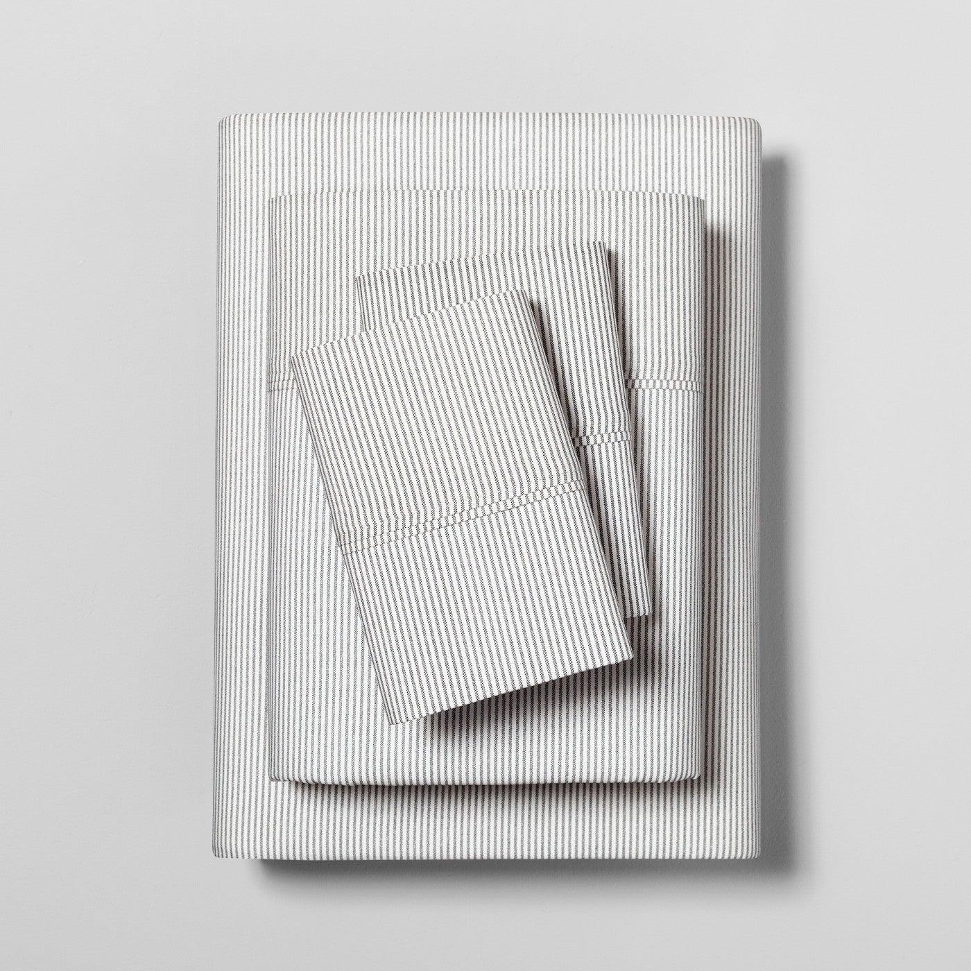 Sheet Set Organic Printed Microstripe