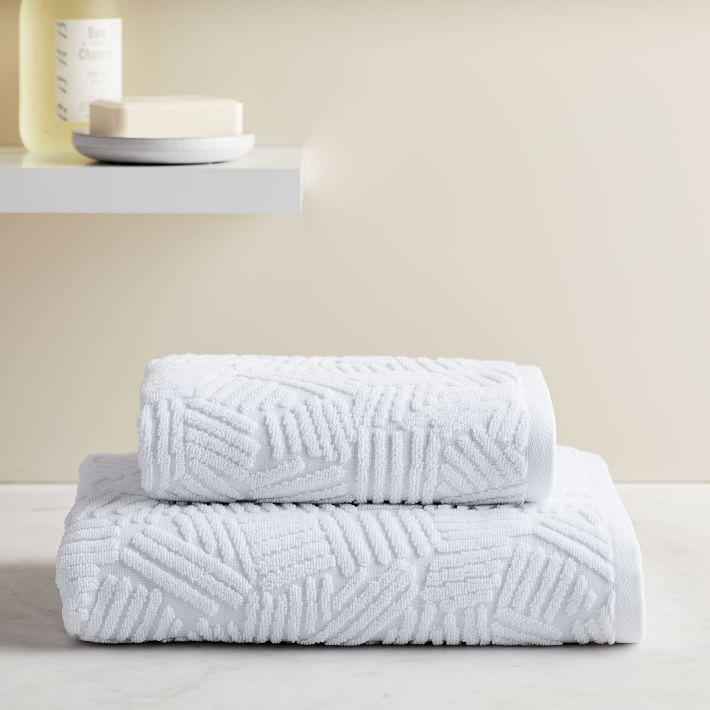 Organic Dashed Lines Sculpted Towels