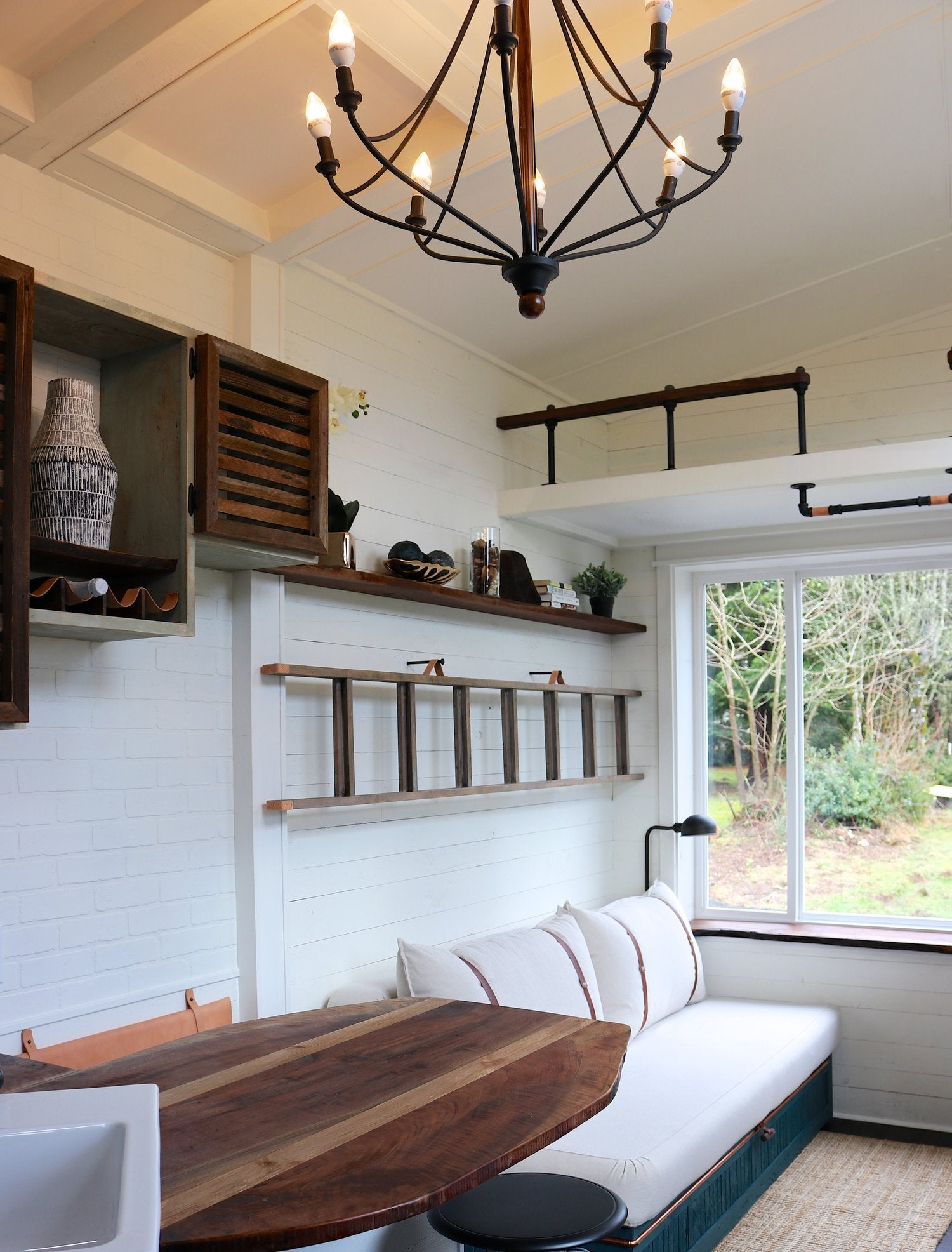 This Impressive Tiny House Interior Design Will Teach You ...