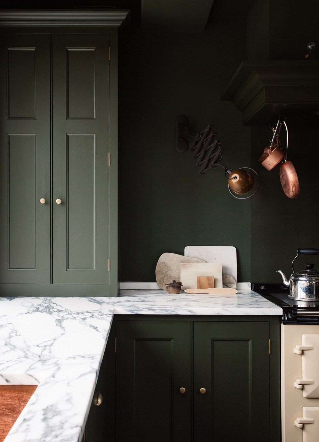 We Found The 22 Best Kitchen Wall Colors