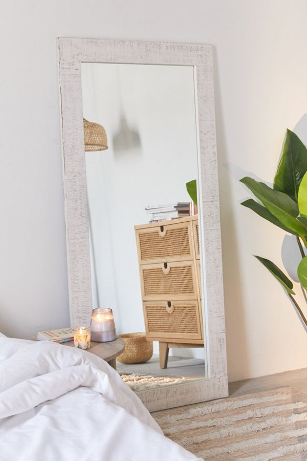 Floor Mirror Decorating Ideas That Will Improve Your Space