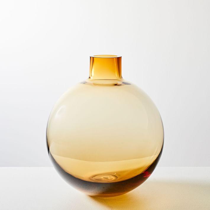 9H Glass Vase