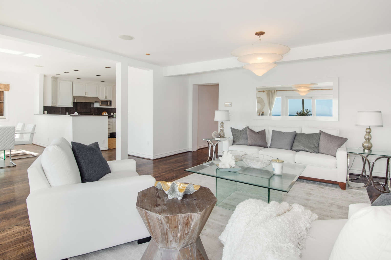 Jennifer Lopez and Alex Rodriguez Just Bought at Beachfront Mansion in Malibu