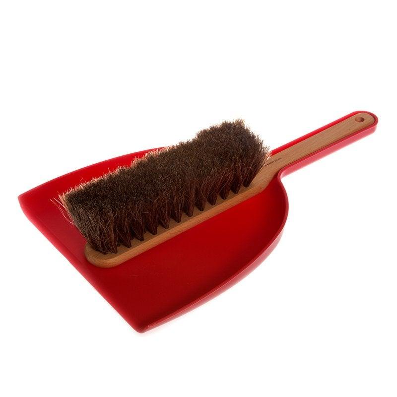 iris – dustpan-brush-set-red