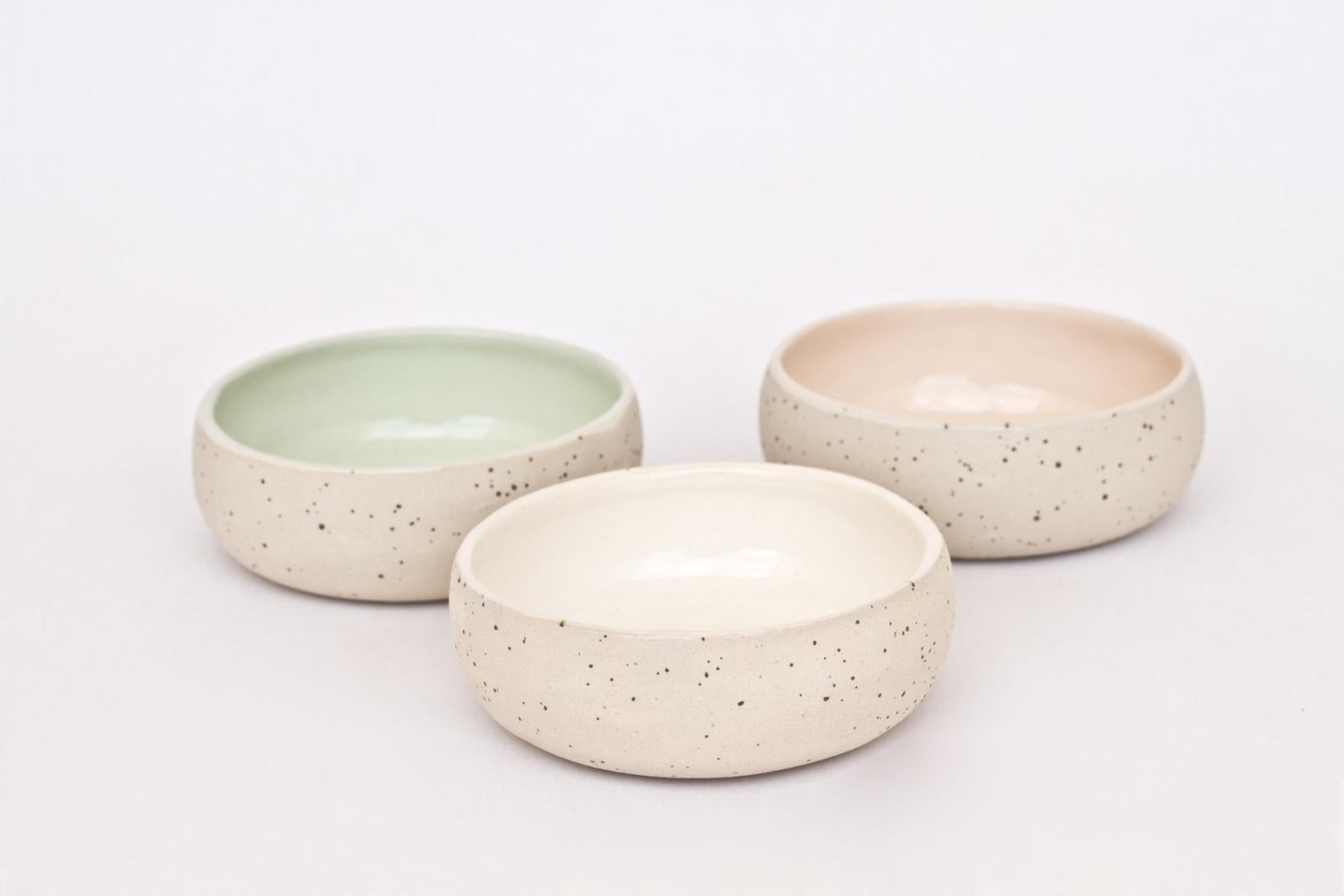 Set of 3 tiny plate bowls