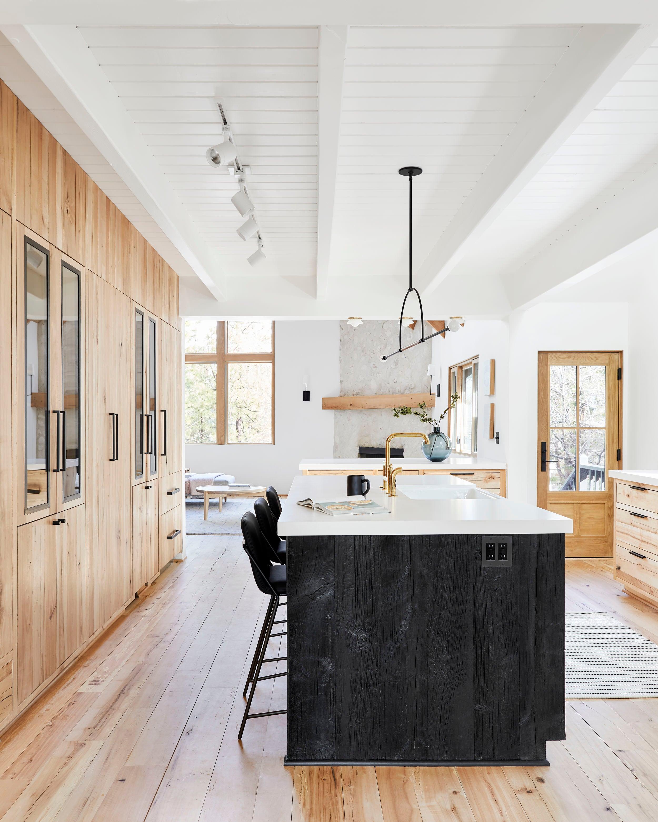 FEATURED_Emily-Henderson-Mountain-House-Kitchen-LoRes12