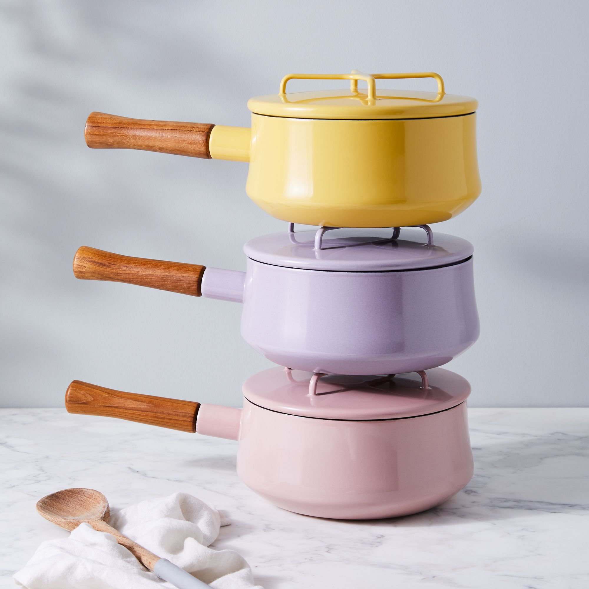 9876264c-b9ab-499a-8a22-d80637e12bbd–2019-0214_dansk_limited-edition_kobenstyle-pastels_stacked-saucepans-w-lids_1x1_ty-mecham_007