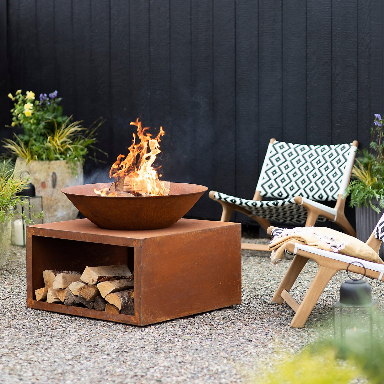 The 5 Outdoor Decor Trends You'll See at Every Barbecue This Summer
