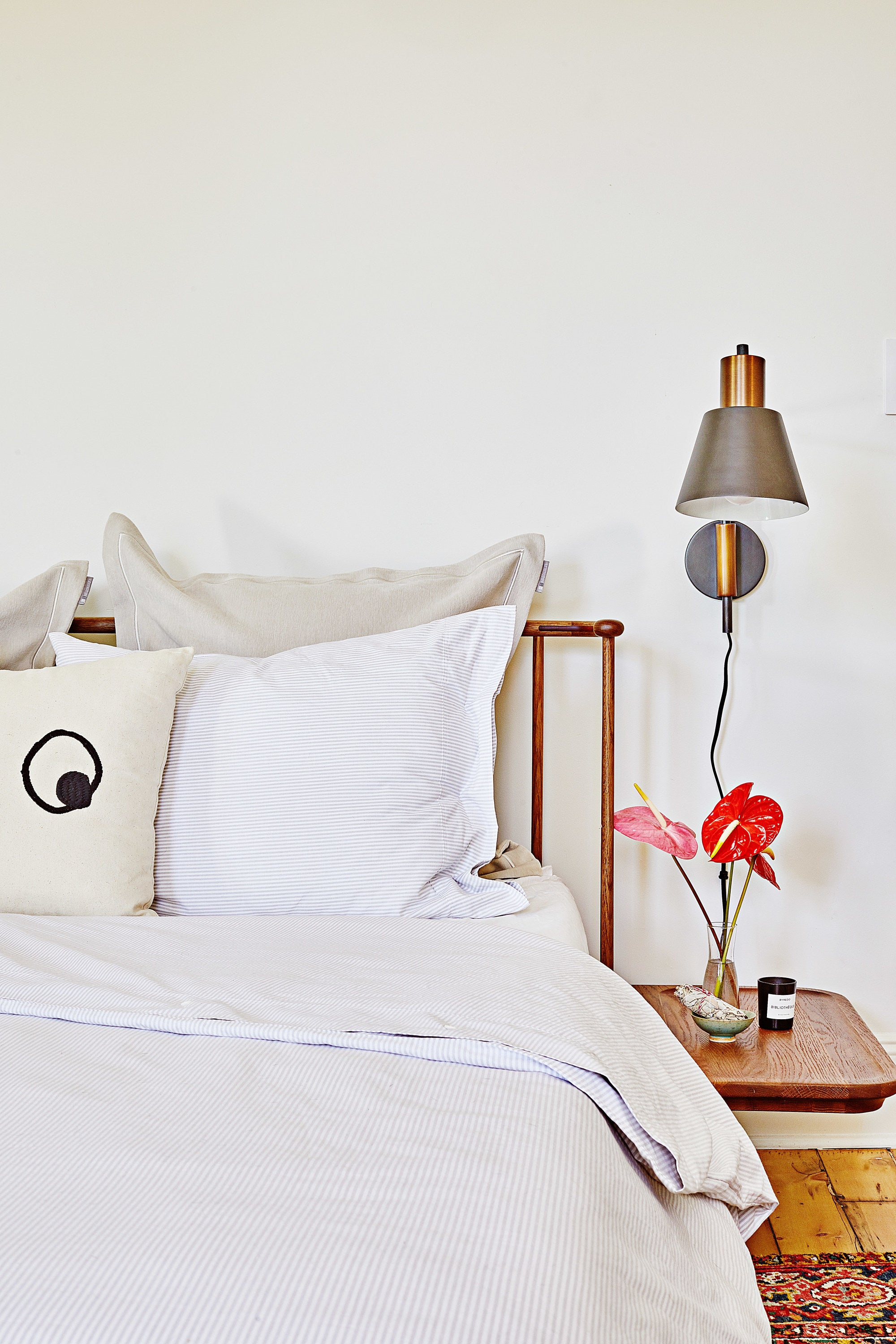 12 Big Ideas to Help Make the Most of a Tiny Studio Bedroom