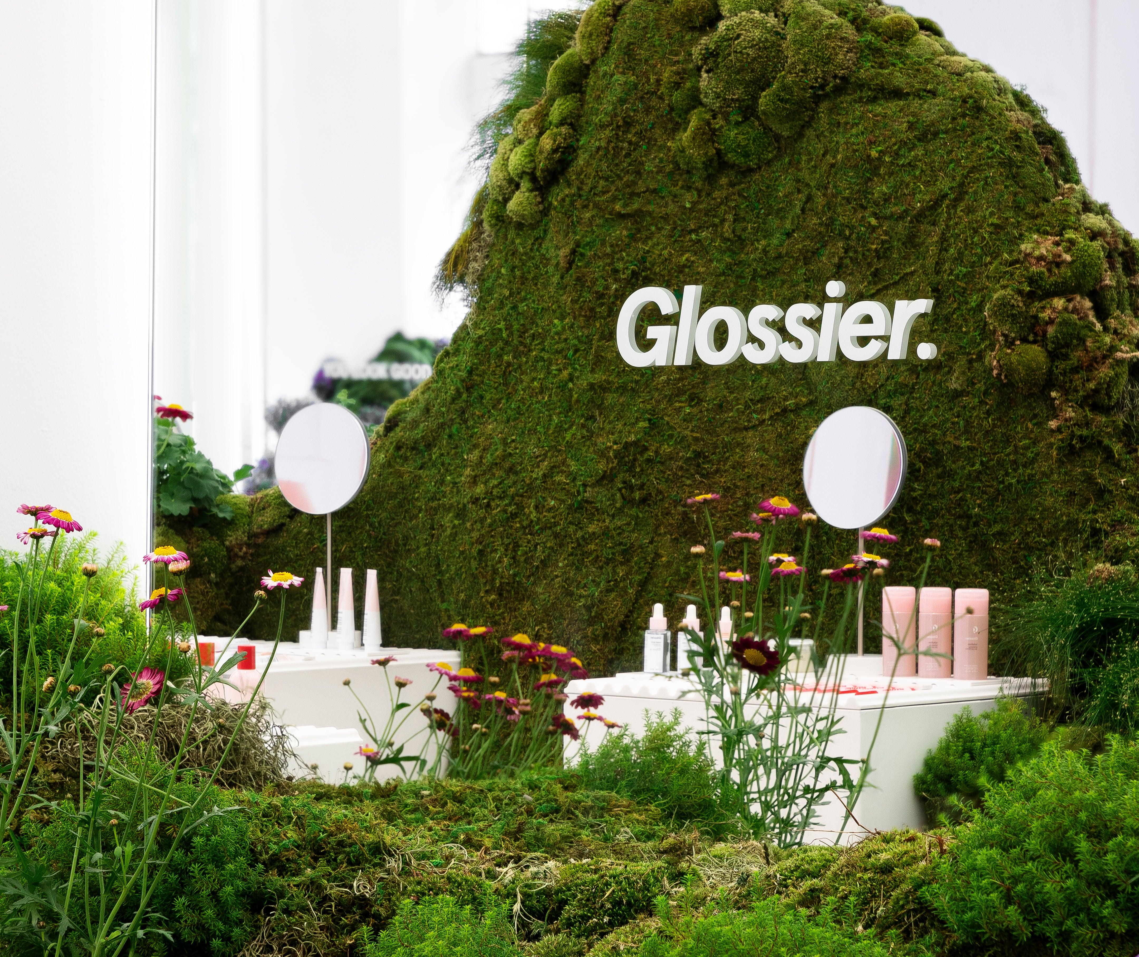 FEATURED Glossier_Seattle-12_crop