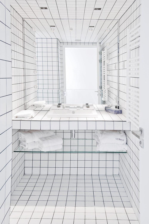 FEATURED Bathroom Junior Suite 115 © Martine Houghton copy