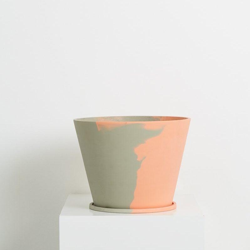Capra_Designs_Large_pot_-_Even_Steven_-_Peach_Grey_800x