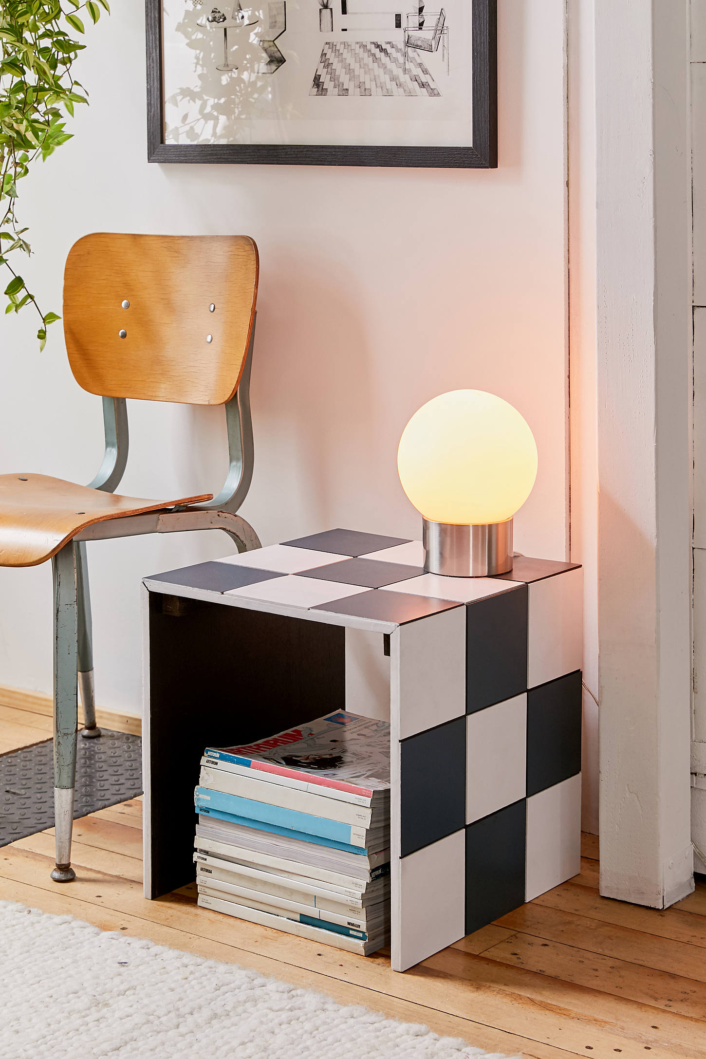 00_FEATURE_side_table_photo_courtesy_of_UrbanOutfitters