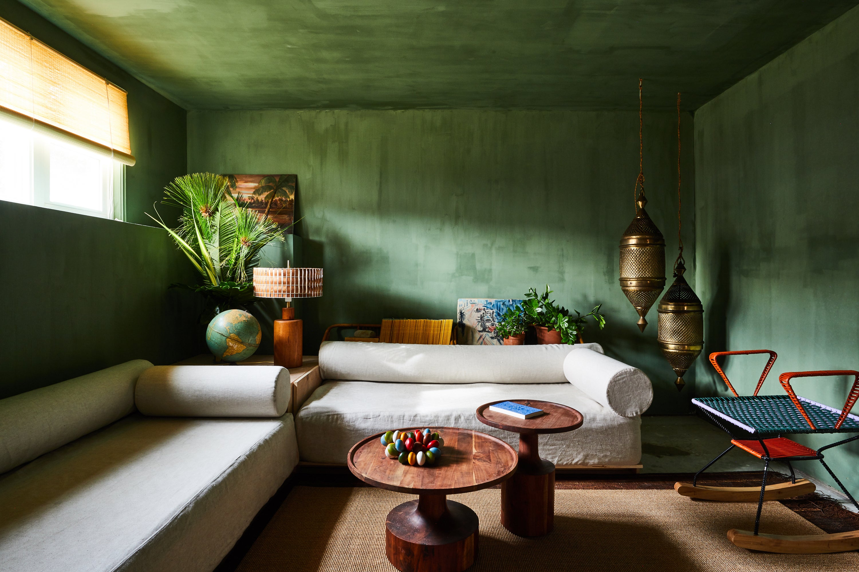 00_FEATURE_Bungalow#2_Green_Room_012