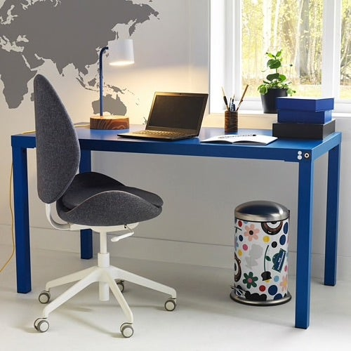 11 Desks That'll Turn The Tiniest Space Into a Hard-Working Office