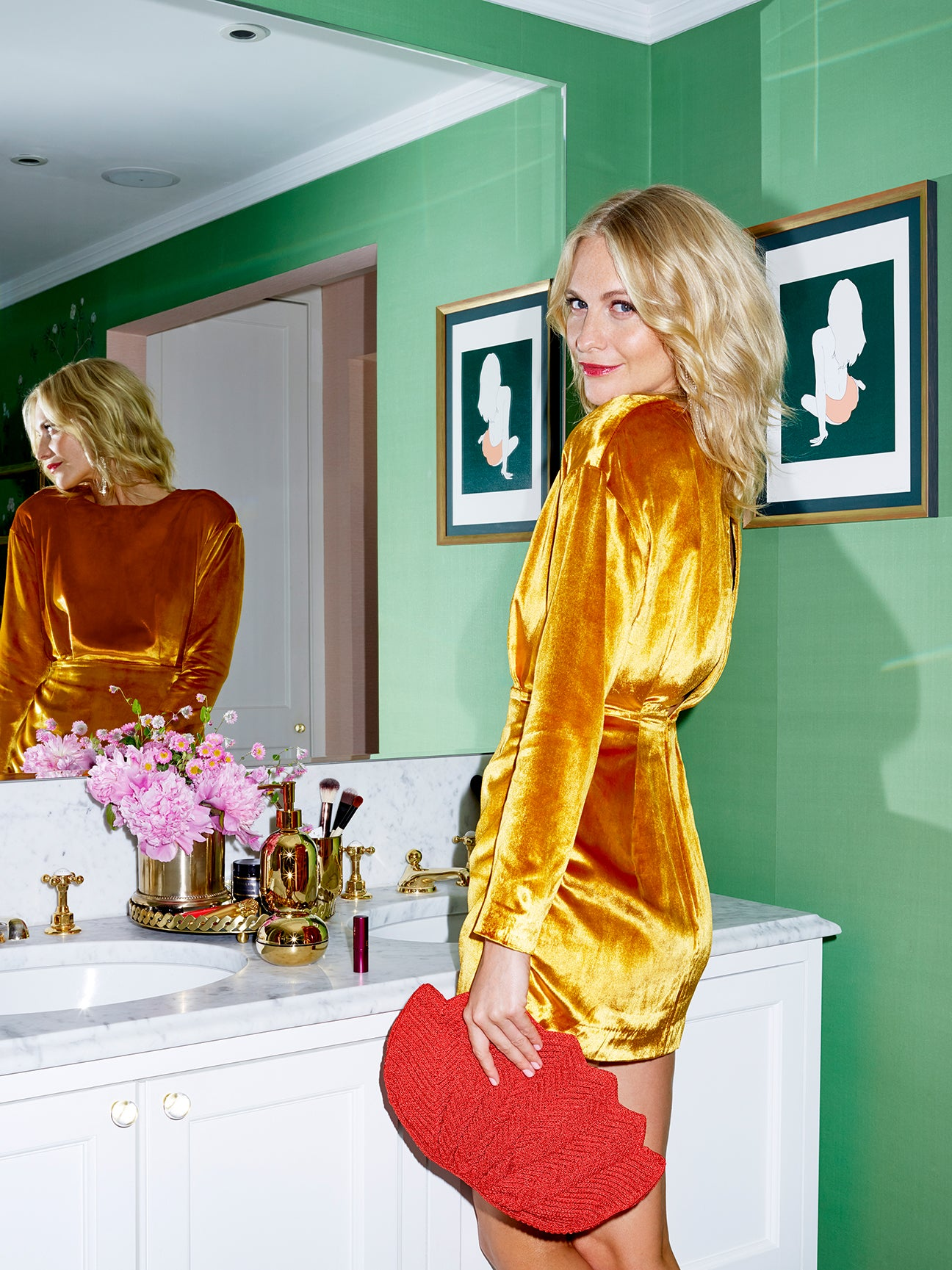 00-FEATURE-Poppy-Delevingne-Home-Tour-H_M-Domino