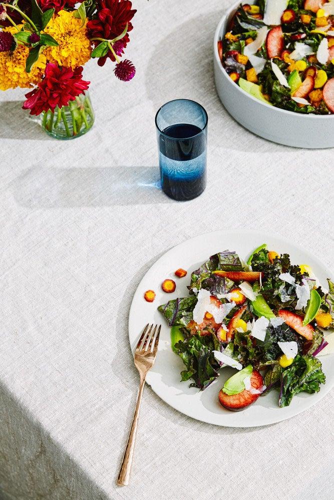 salad-dinner-table