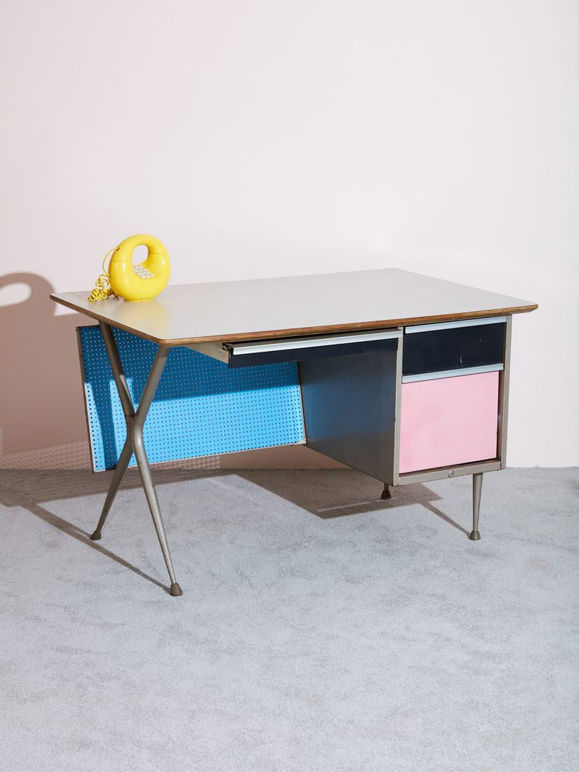 00-FEATURE-small-home-office-desks-domino