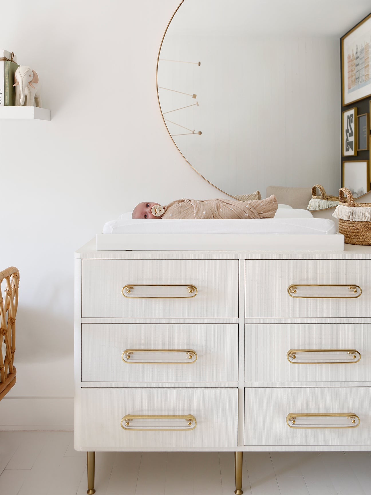 00-FEATURE-Happily-Grey-Nursery-tour-domino