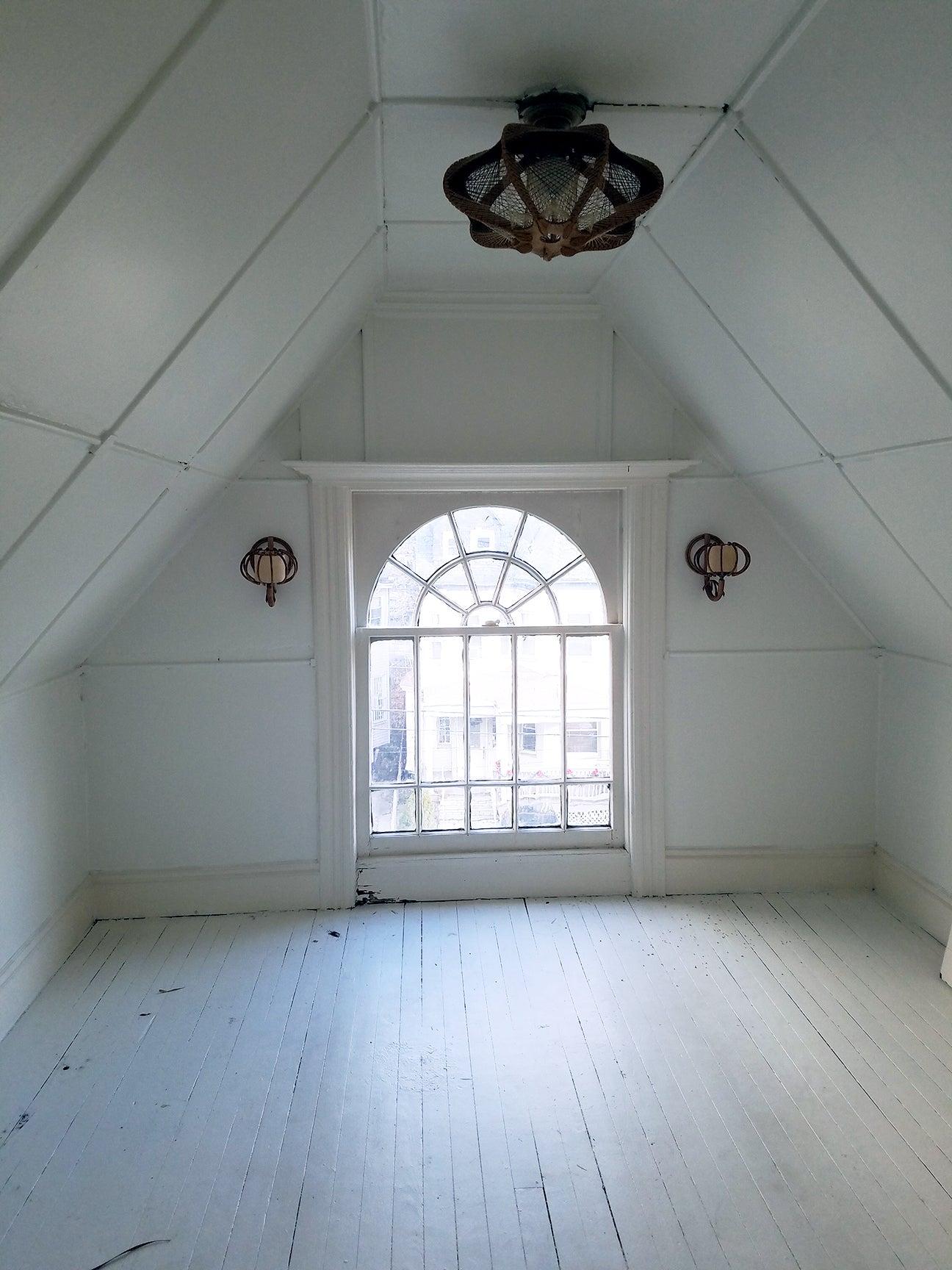 empty-white-room