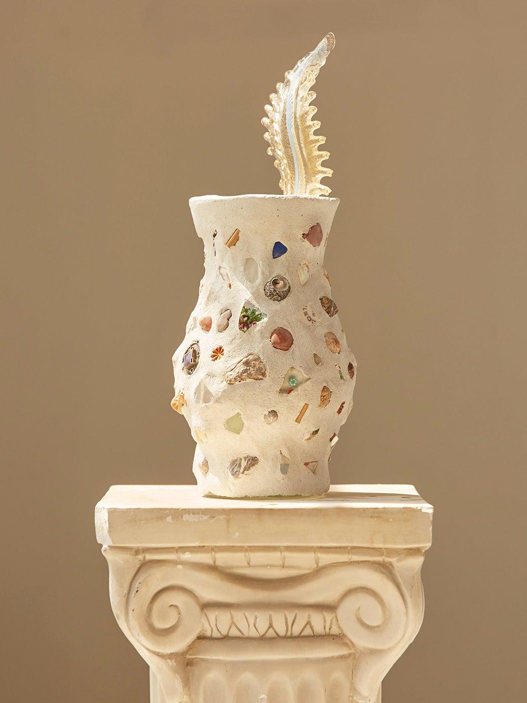 00-FEATURE-trinket-cermanic-vase-domino