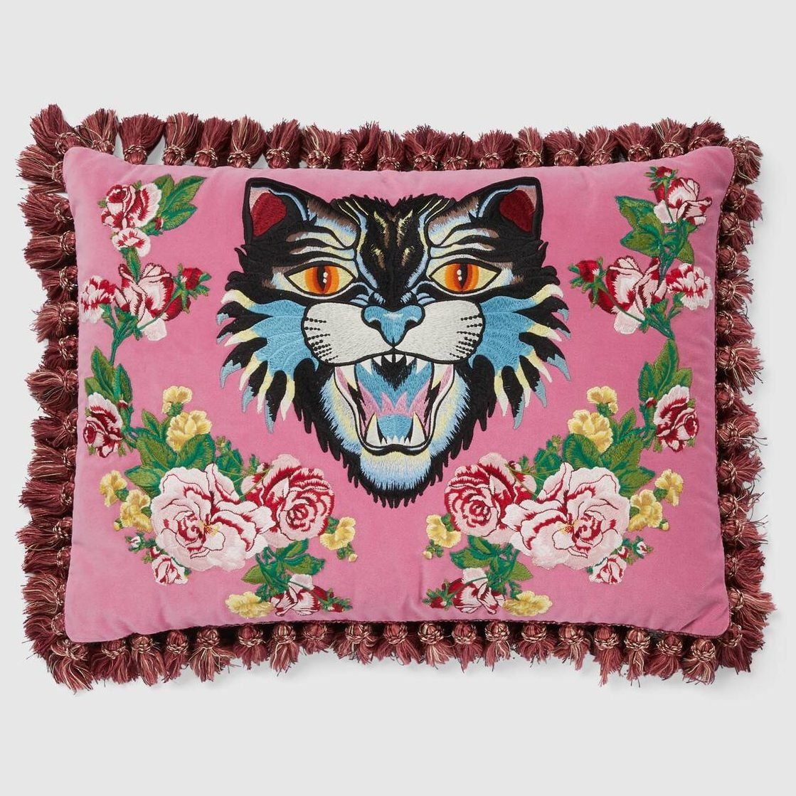 482751_ZAF18_5675_001_100_0000_Light-Velvet-cushion-with-Angry-Cat-embroidery