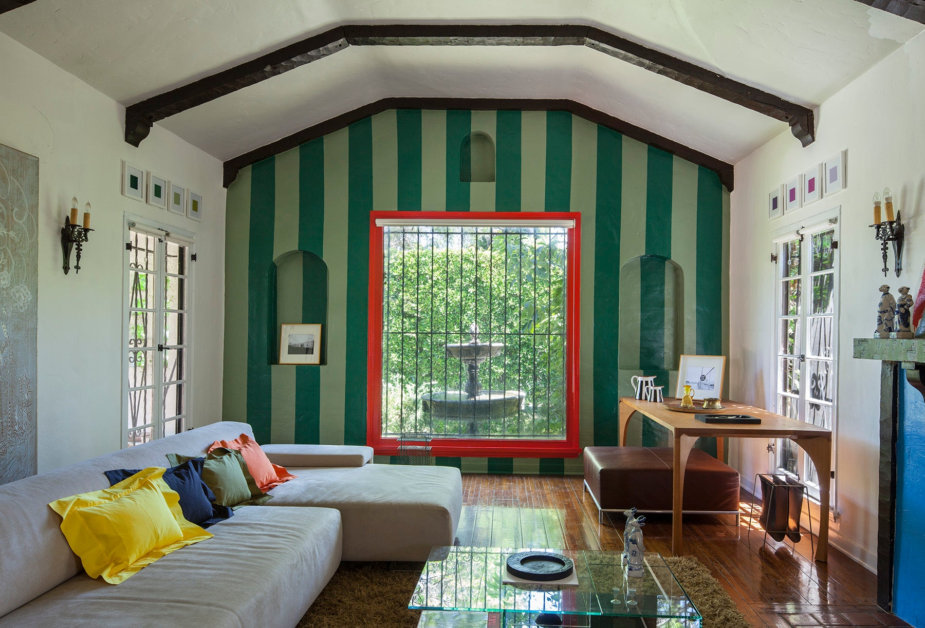 green-striped-walls-living-room