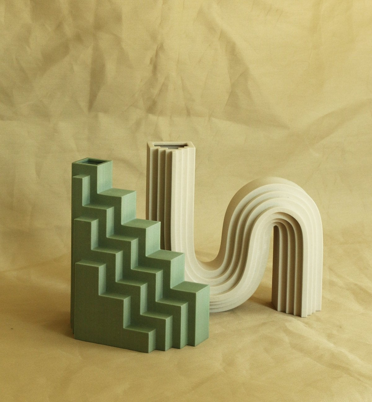 Staircase-BY-CHARLOTTE-TAYLOR-X-UNIQUE-BOARD—LIMITED-EDITION-3D-PRINTED-VASES-20190330000724