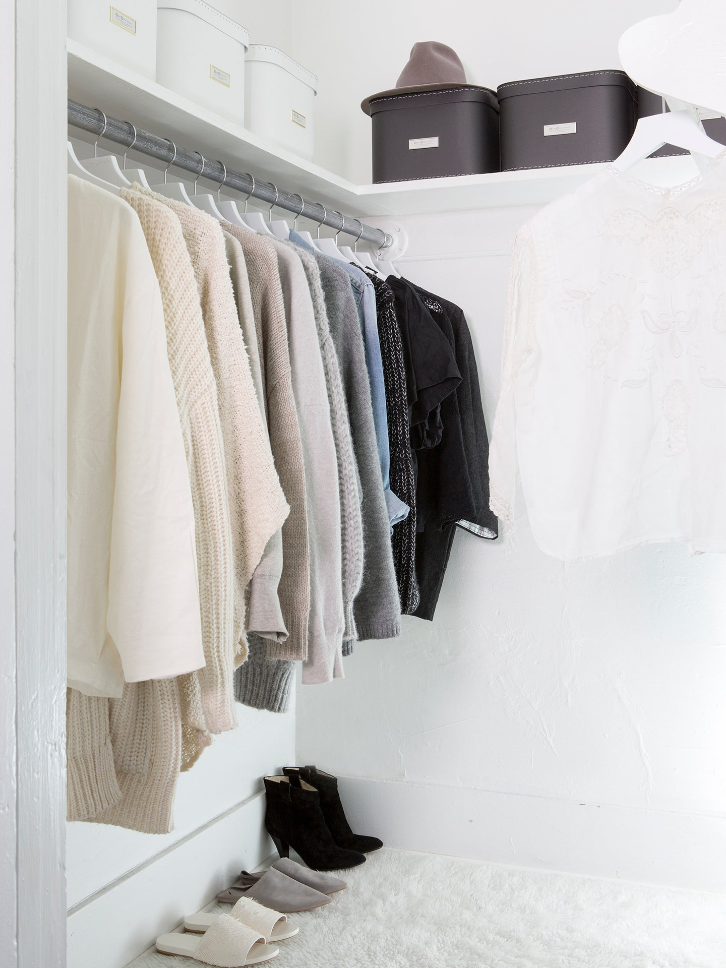 How to Organize a Closet Without Plastic, According to an Expert