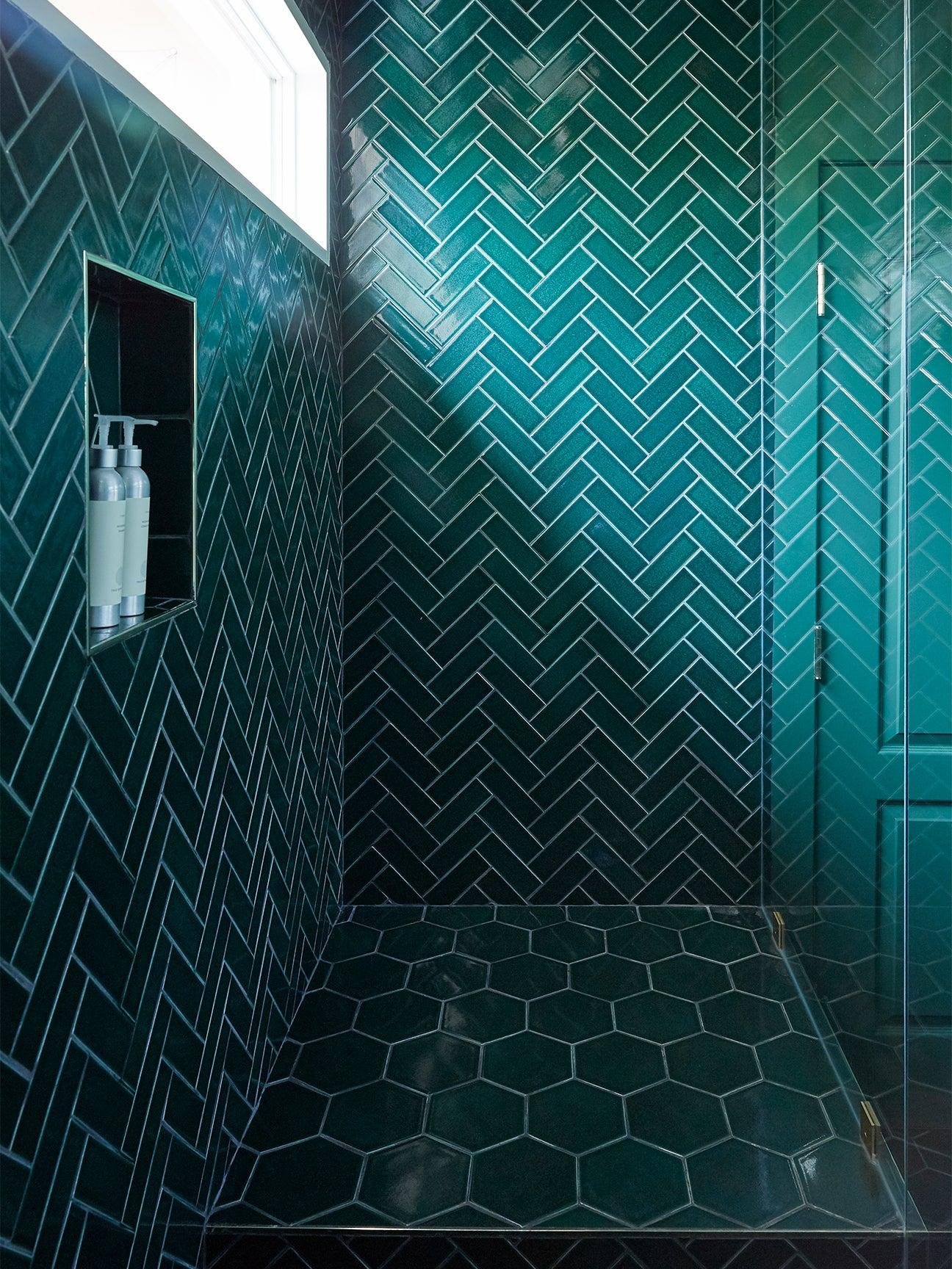 00-FEATURE-laurel-galucci-bathroom-tile-domino