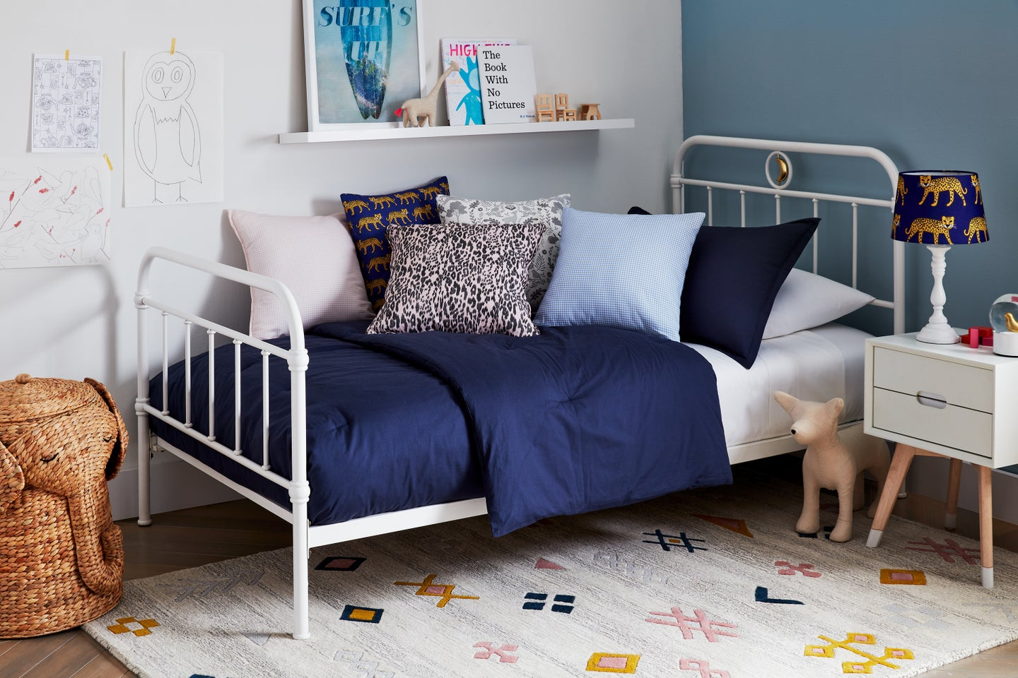 kids bed with lots of pillows