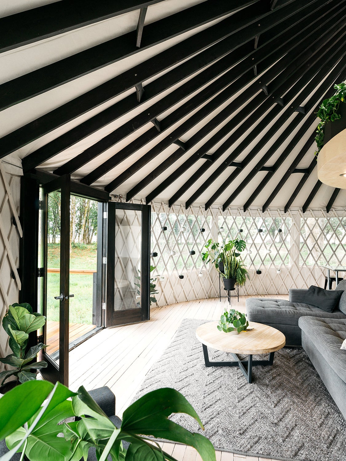 00-FEATURE-yurt-trend-domino