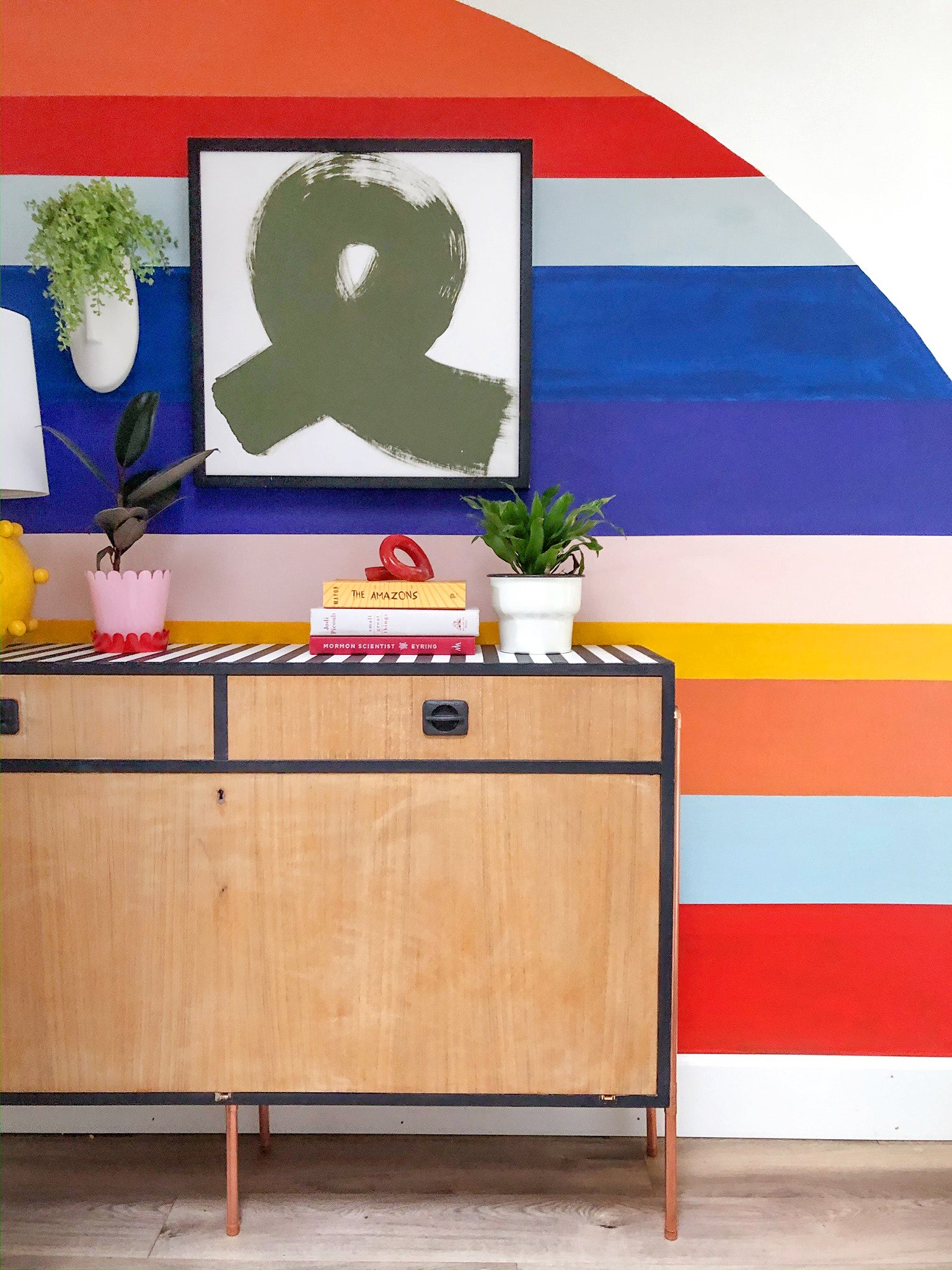 00-FEATURE-credenza-chalk-paint-diy-domino