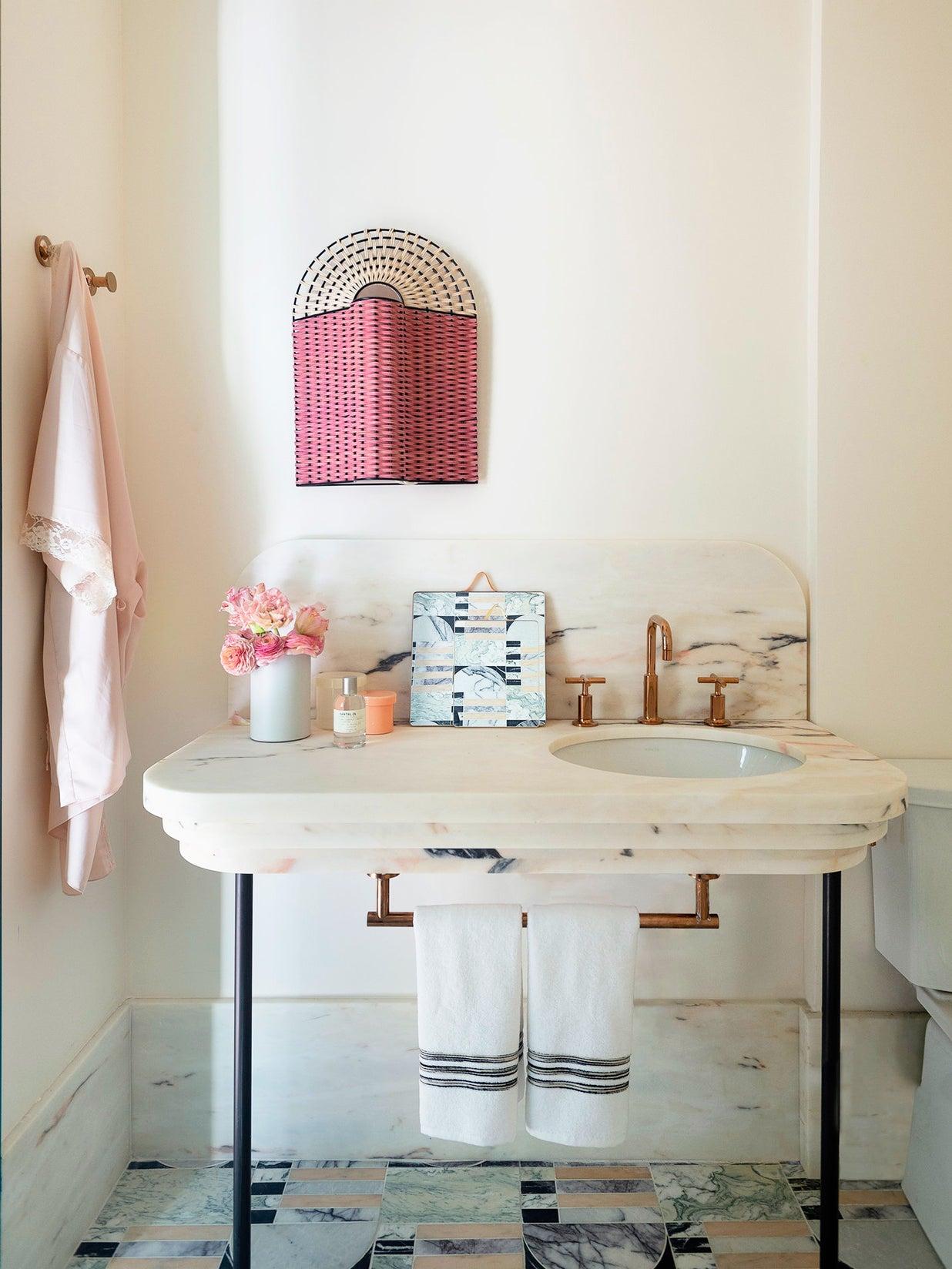 Pink marble bathroom by Studio DB