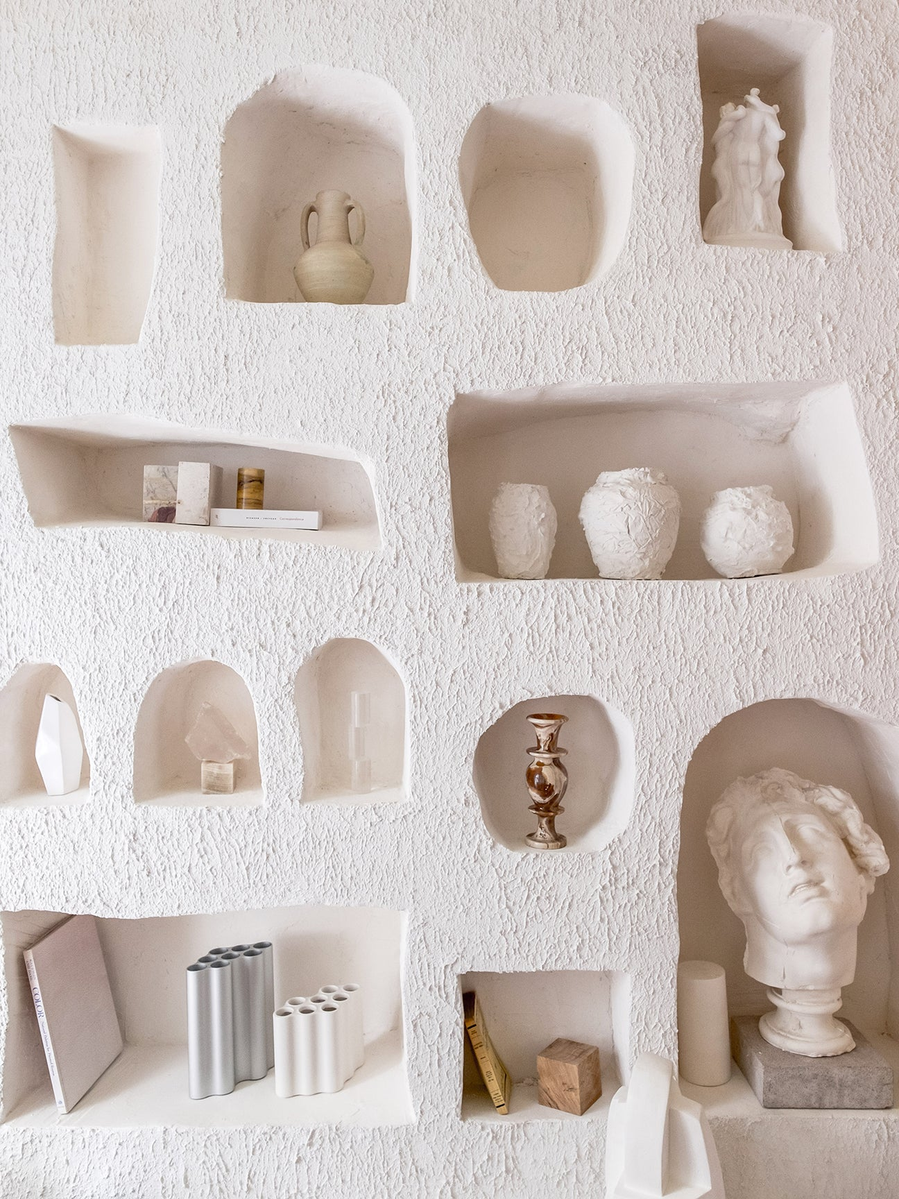 00-FEATURE-wall-trend-domino