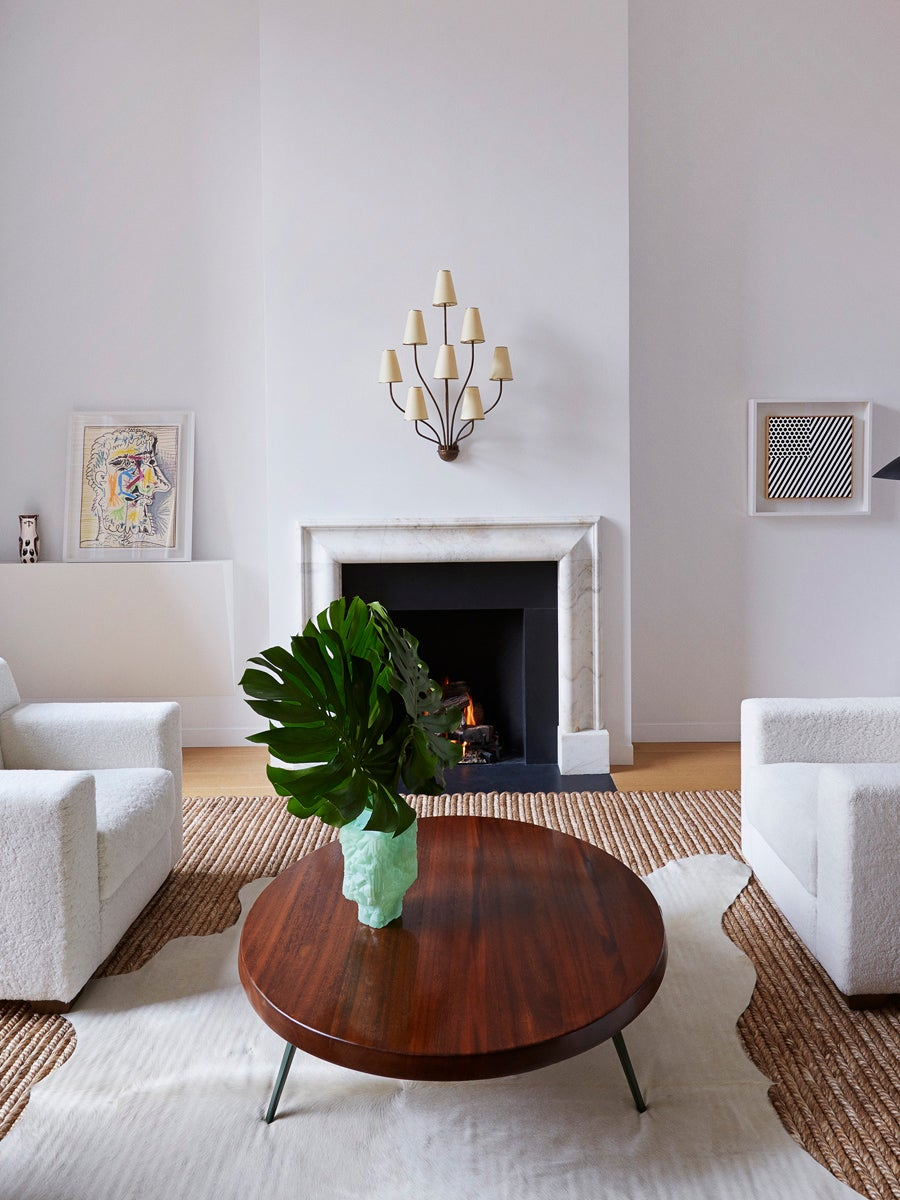 white living room chairs with wood coffee table