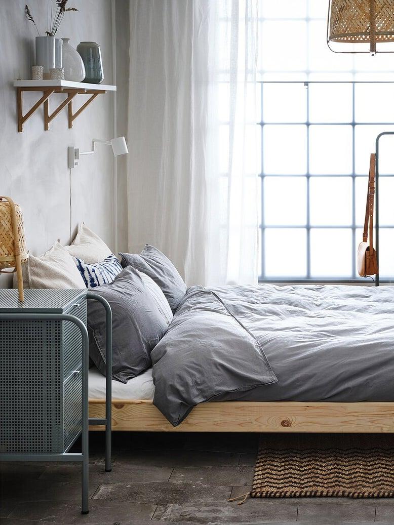 ikea-nightstand-domino