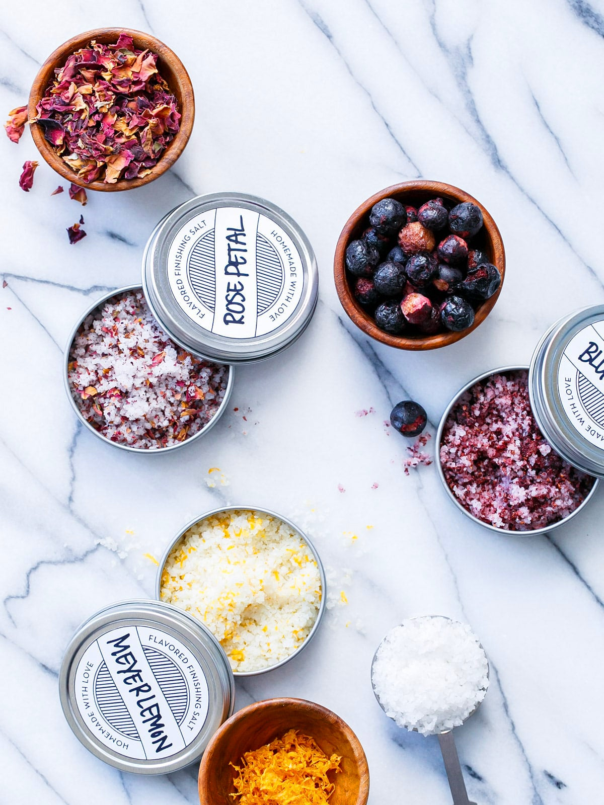 00-FEATURE-DIY-Food-Gifts-domino-Finishing-Salts