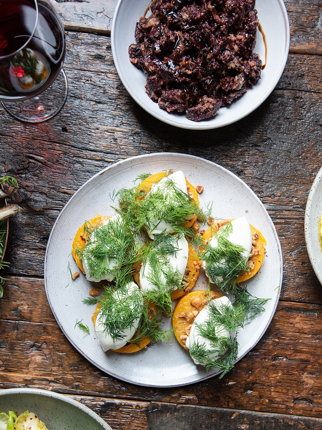 3 No-Brainer Recipes for When a Crowd Comes Over