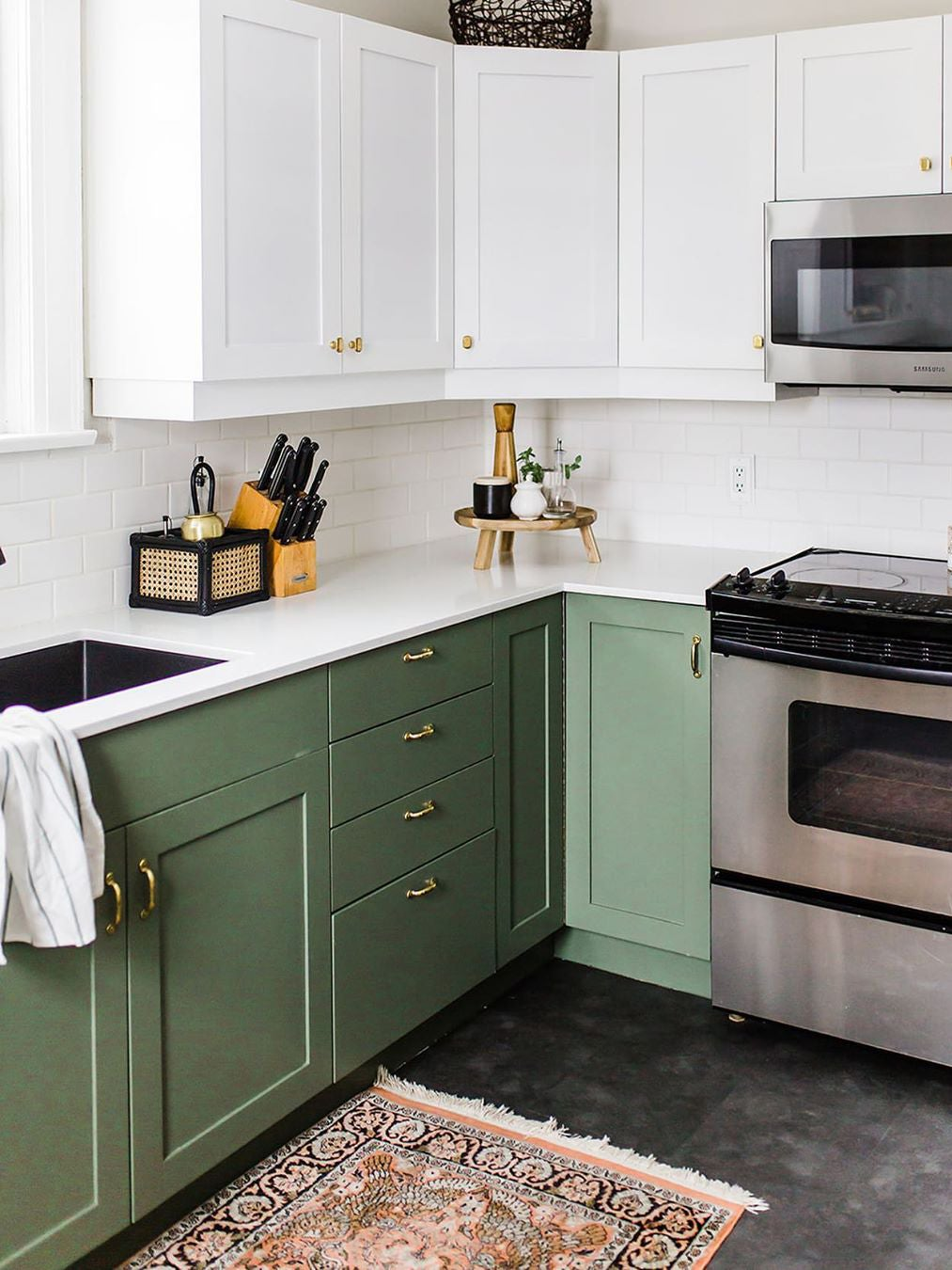 9 Green Kitchen Cabinet Ideas for Your Most Colorful ...