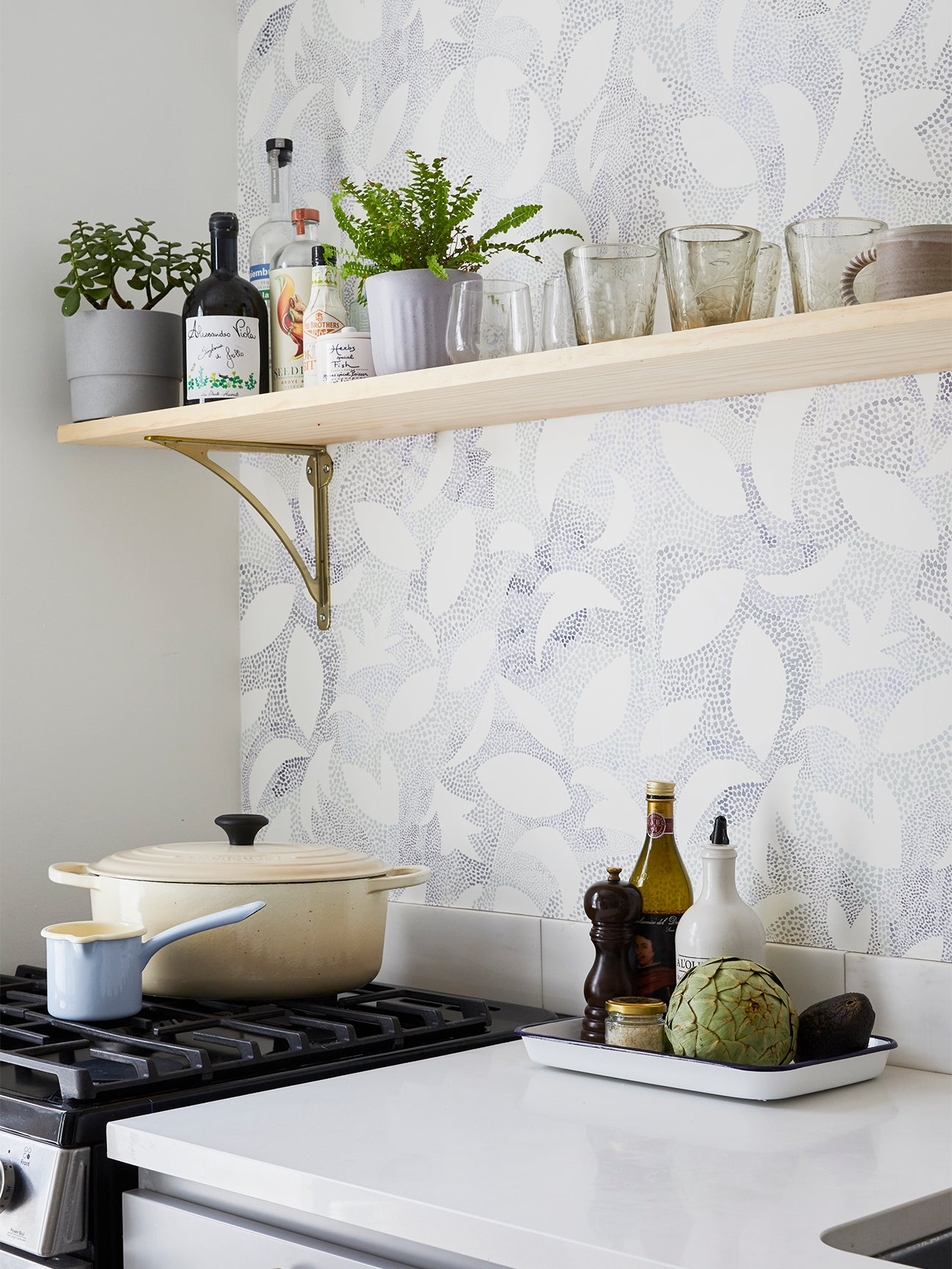 7 Kitchen Wallpaper Ideas That'll Inspire a Bold ...