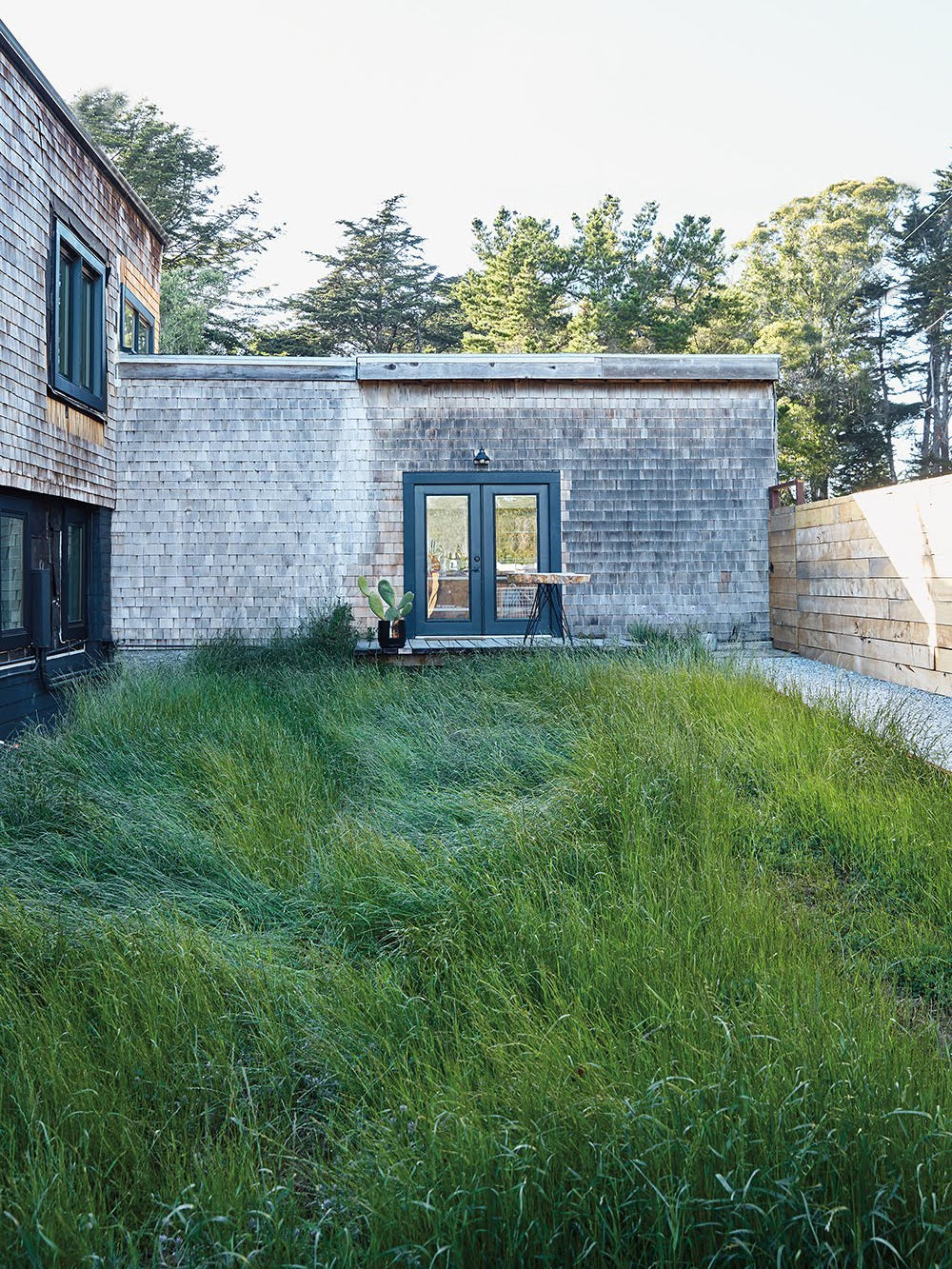 Building with expansive lawn