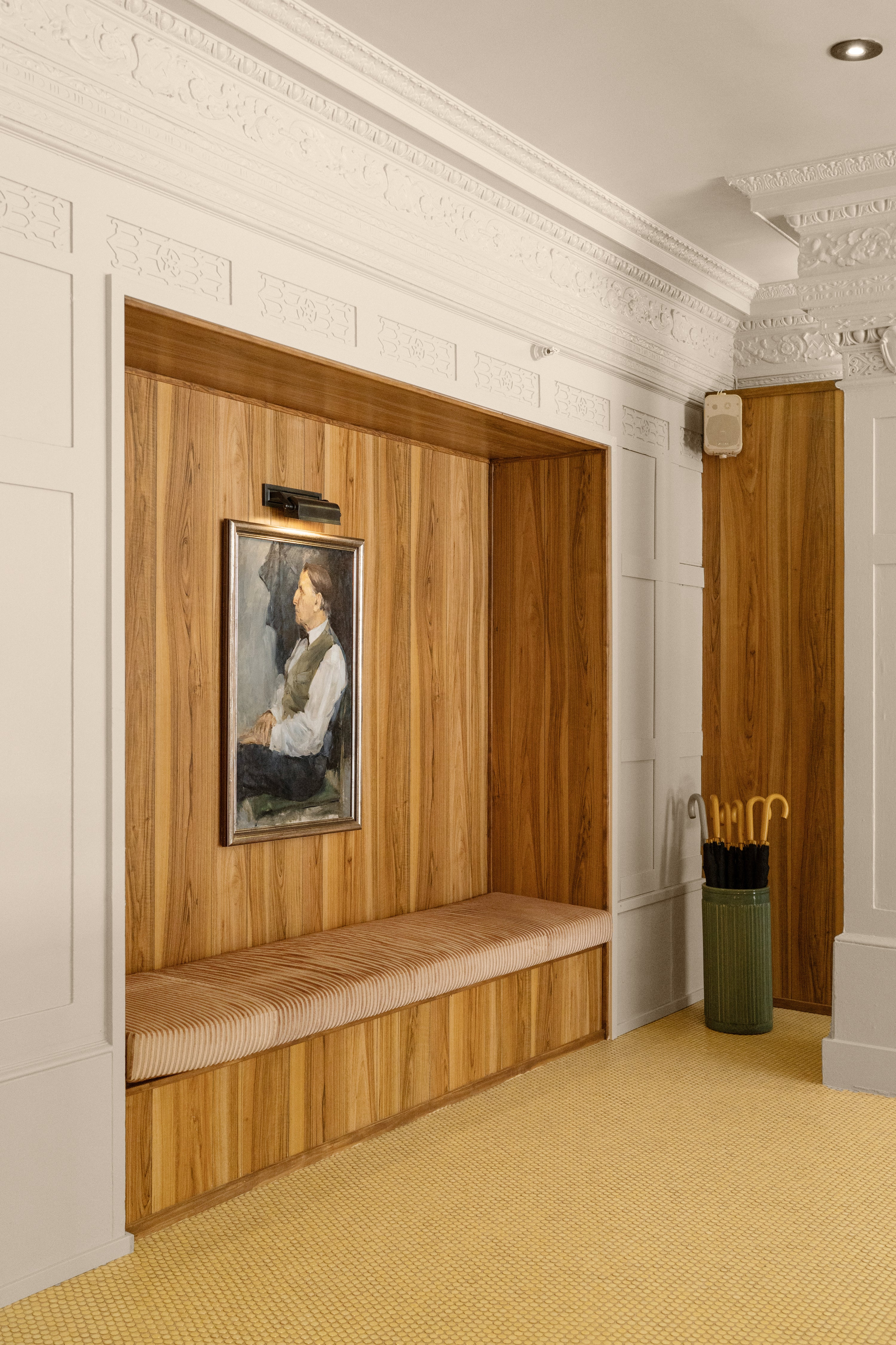 built in ribbed bench nook