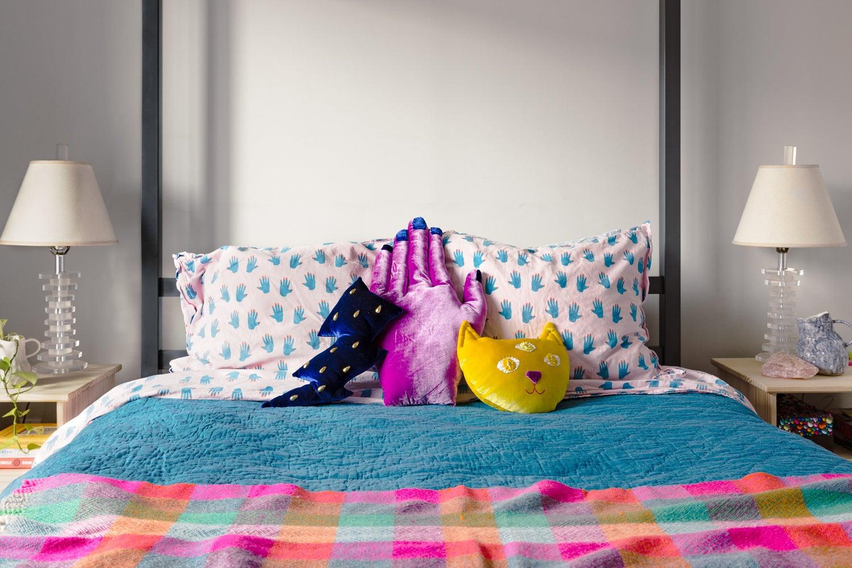 Maximalist bed