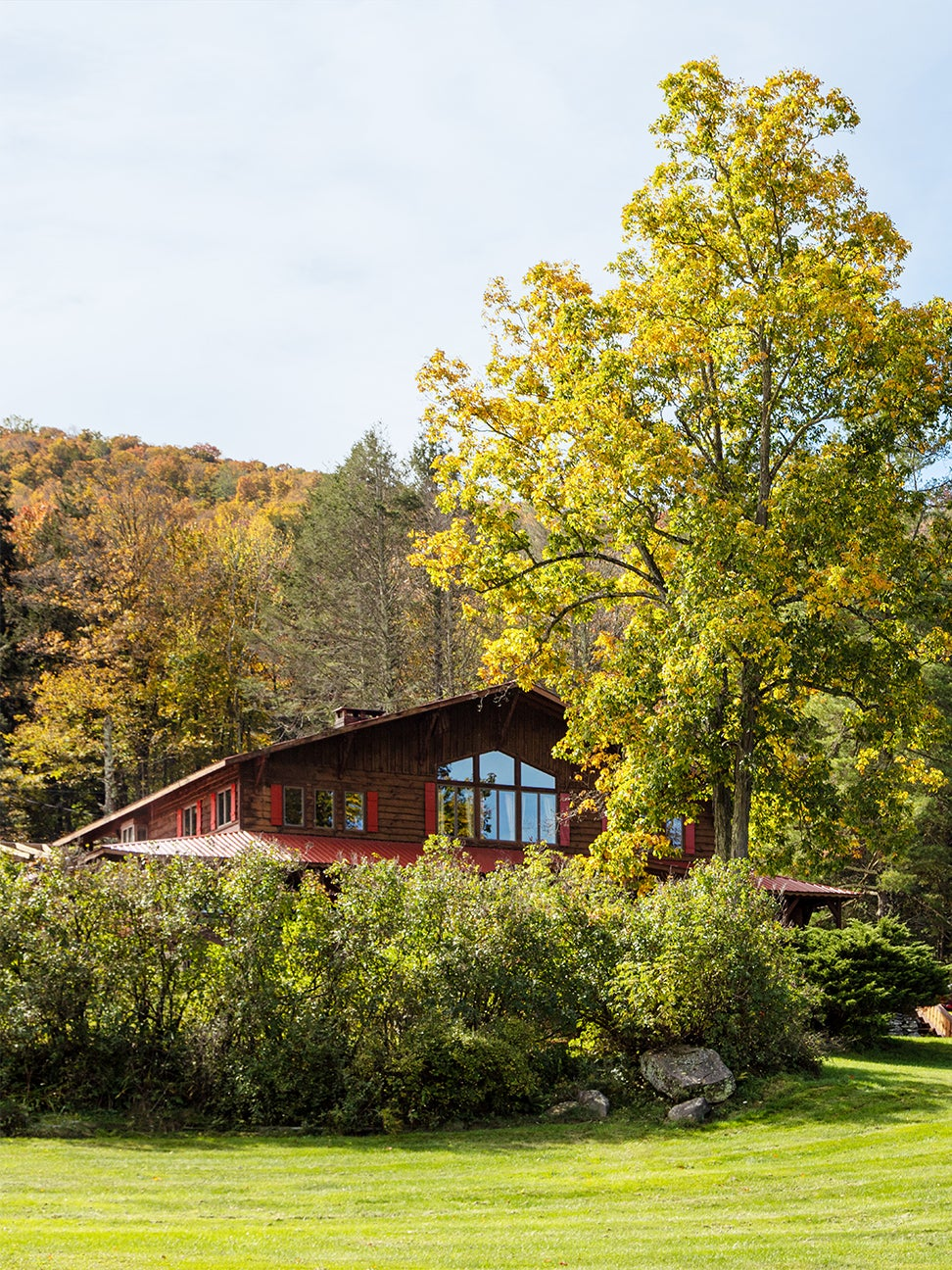 This Southwestern-Style Lodge Takes Pattern-on-Pattern to the Extreme