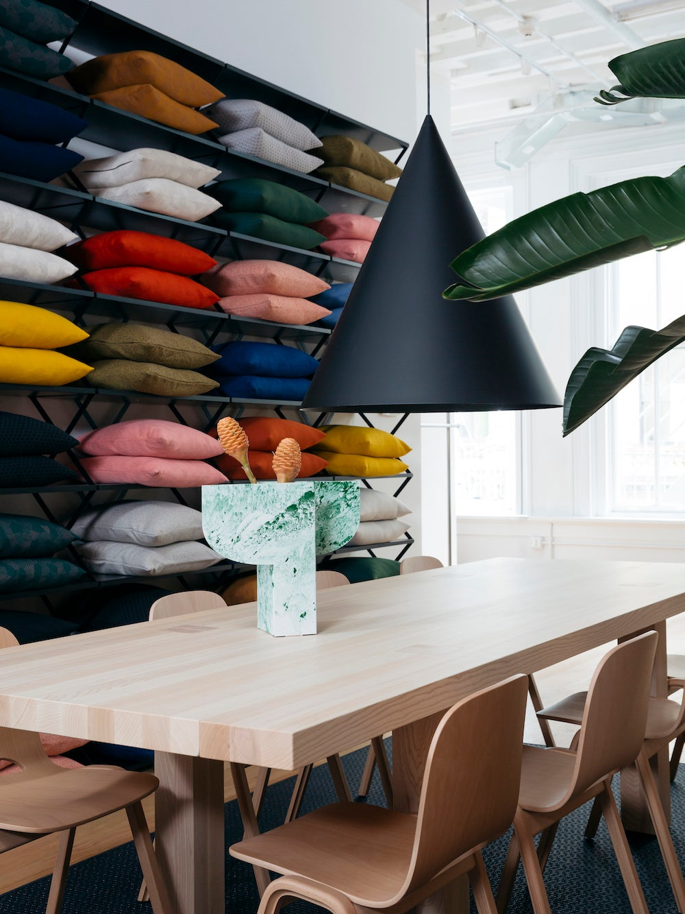 A Dining Room Lighting Tweak That Creates Instant Ambience