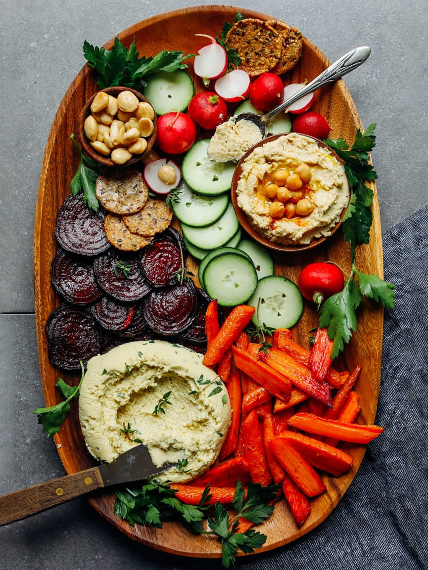 crudite platter with hummus