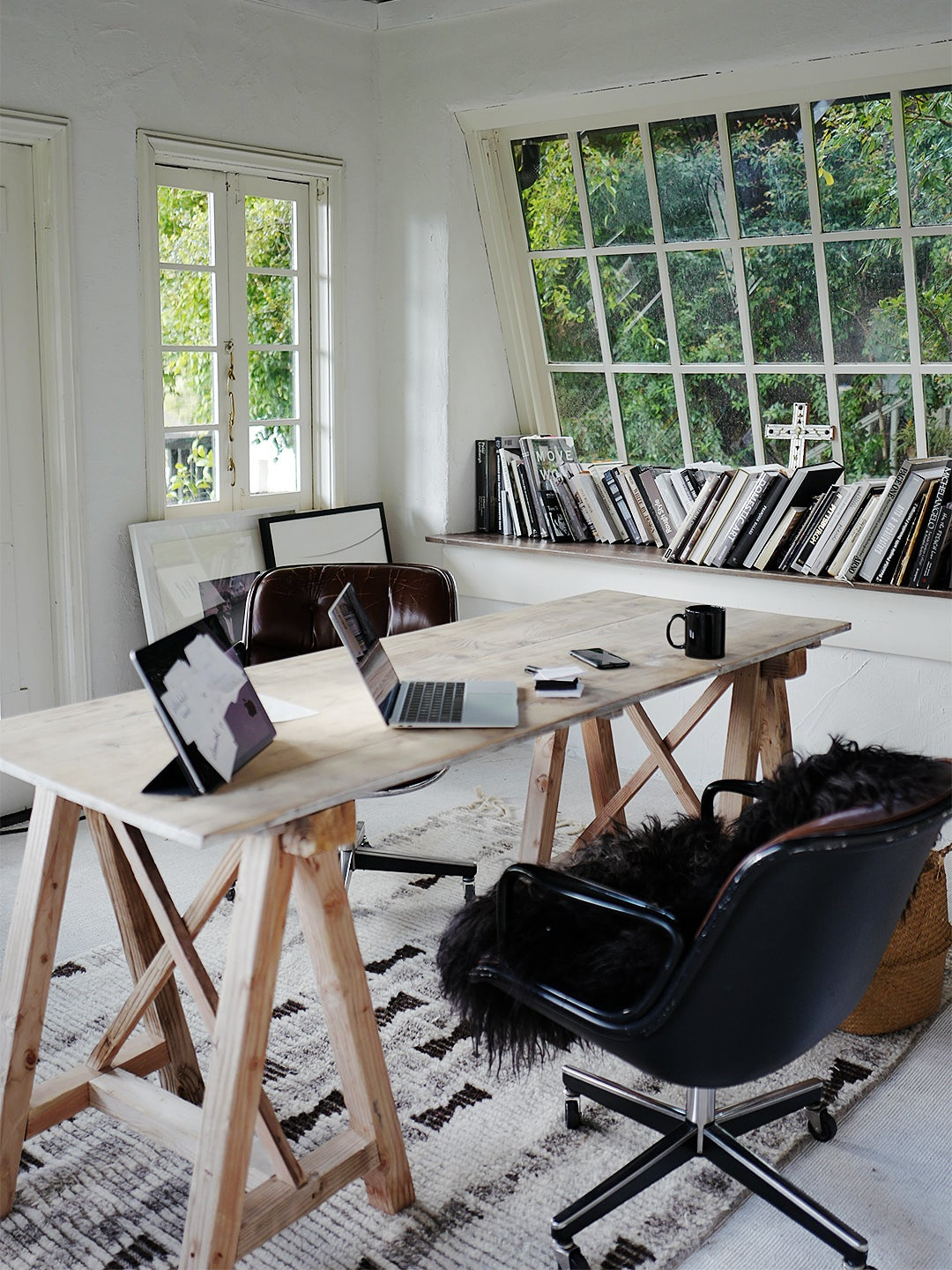black modern chair with wood desk